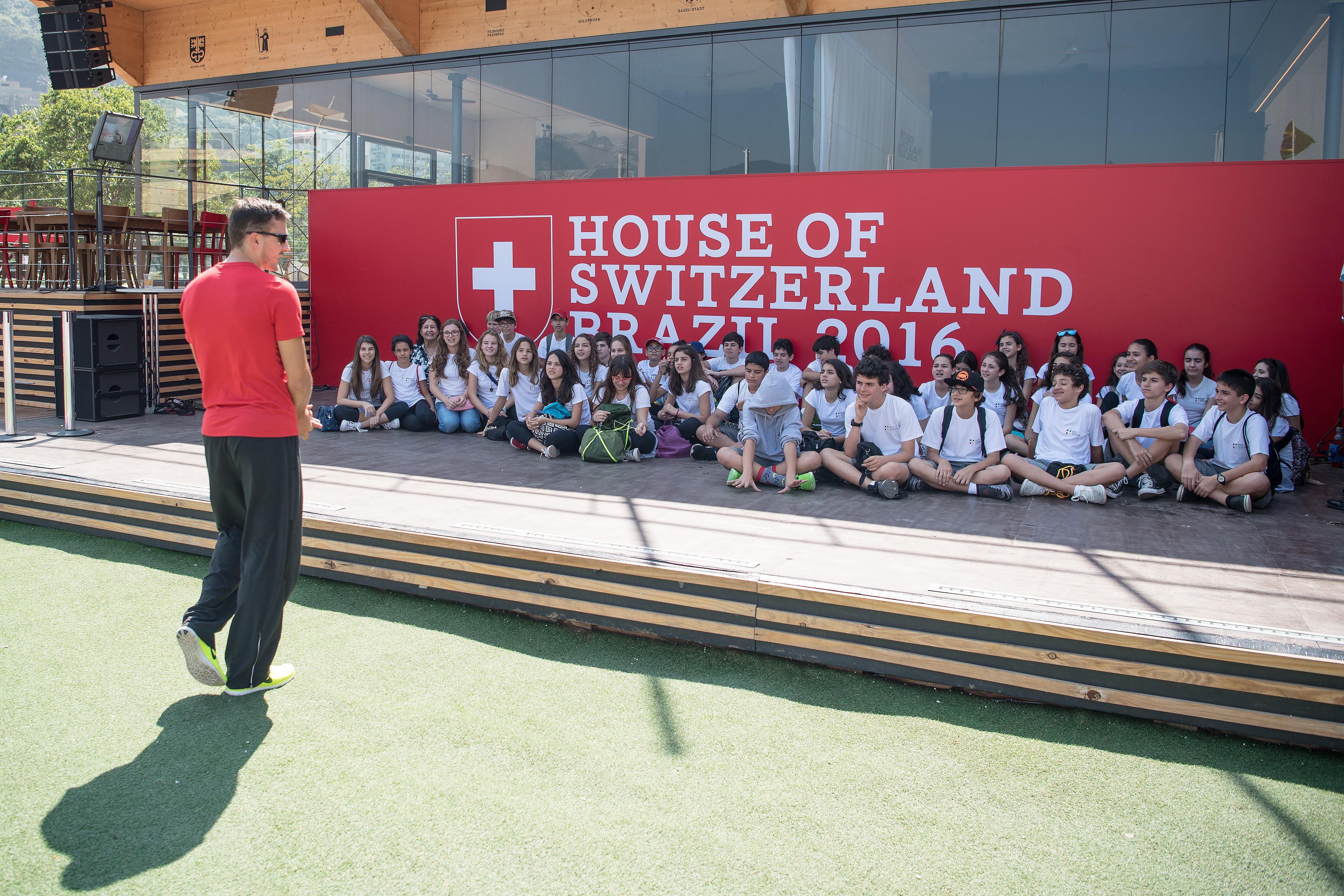 2016 Rio HoS Phillipp Handler mit Schweizerischer Schule aus Rio im Hous of Switzerland